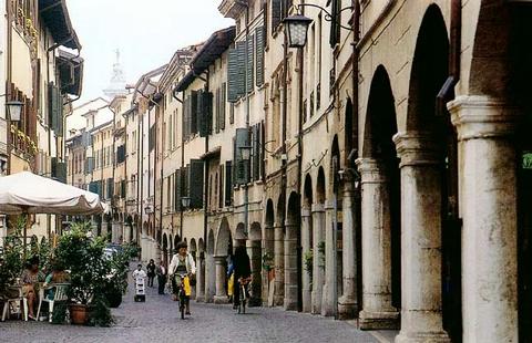 25 novembre i panificatori di pordenone portano in piazza for Piazza del friuli